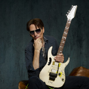 STEVE VAI - Photo by Larry DiMarzio_06_075 smCROPPED3